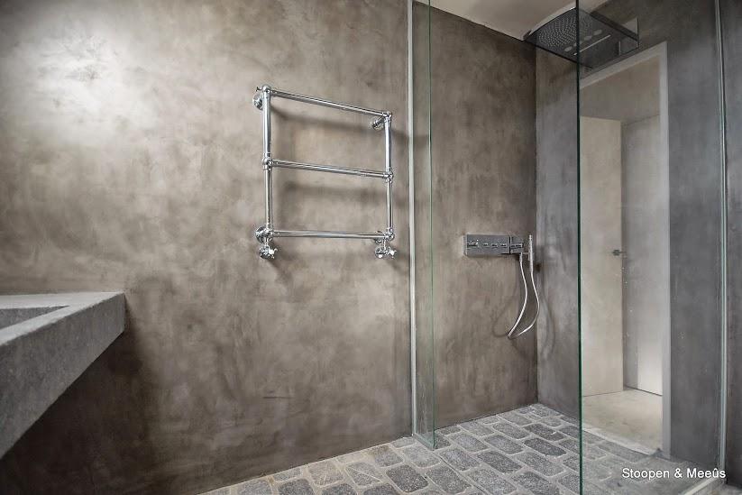 Stoopen en meeus badkamer douche stuc deco granito